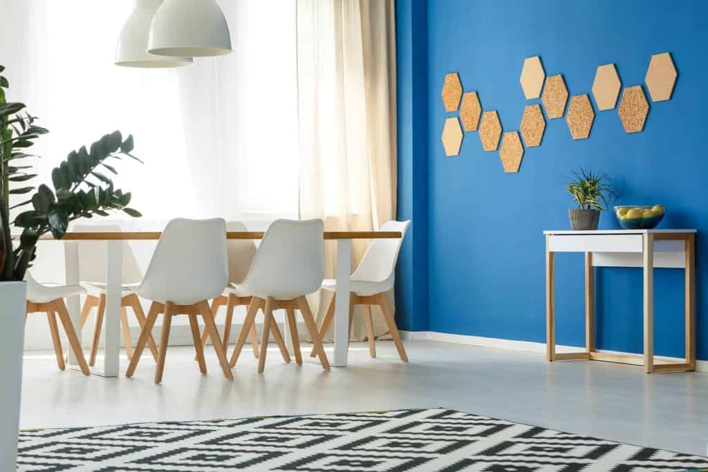 Blue accent wall near dining area, just one inexpensive summer decorating idea
