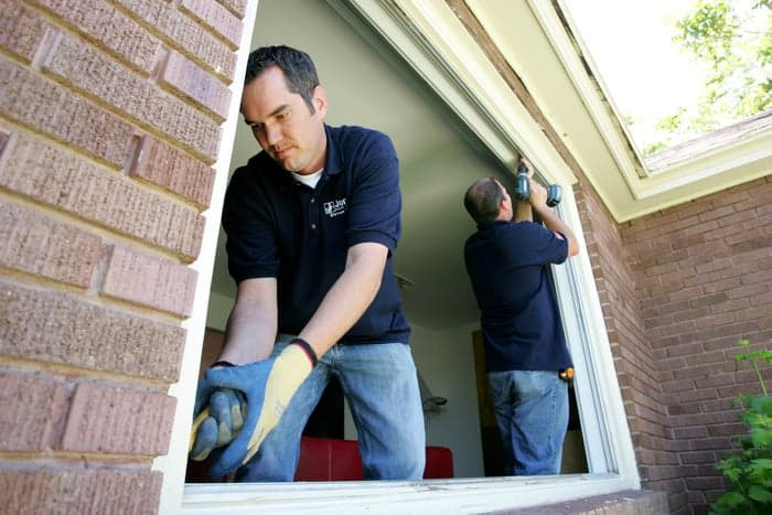 Jones Paint & Glass windows installers in Utah prepare opening for new windows