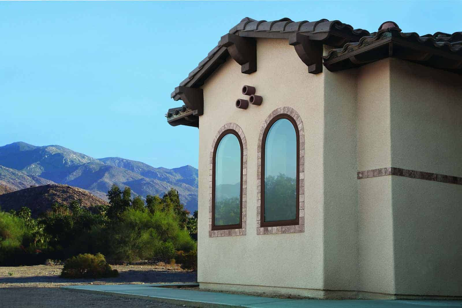 Arched fiberglass and composite windows on southern Utah home